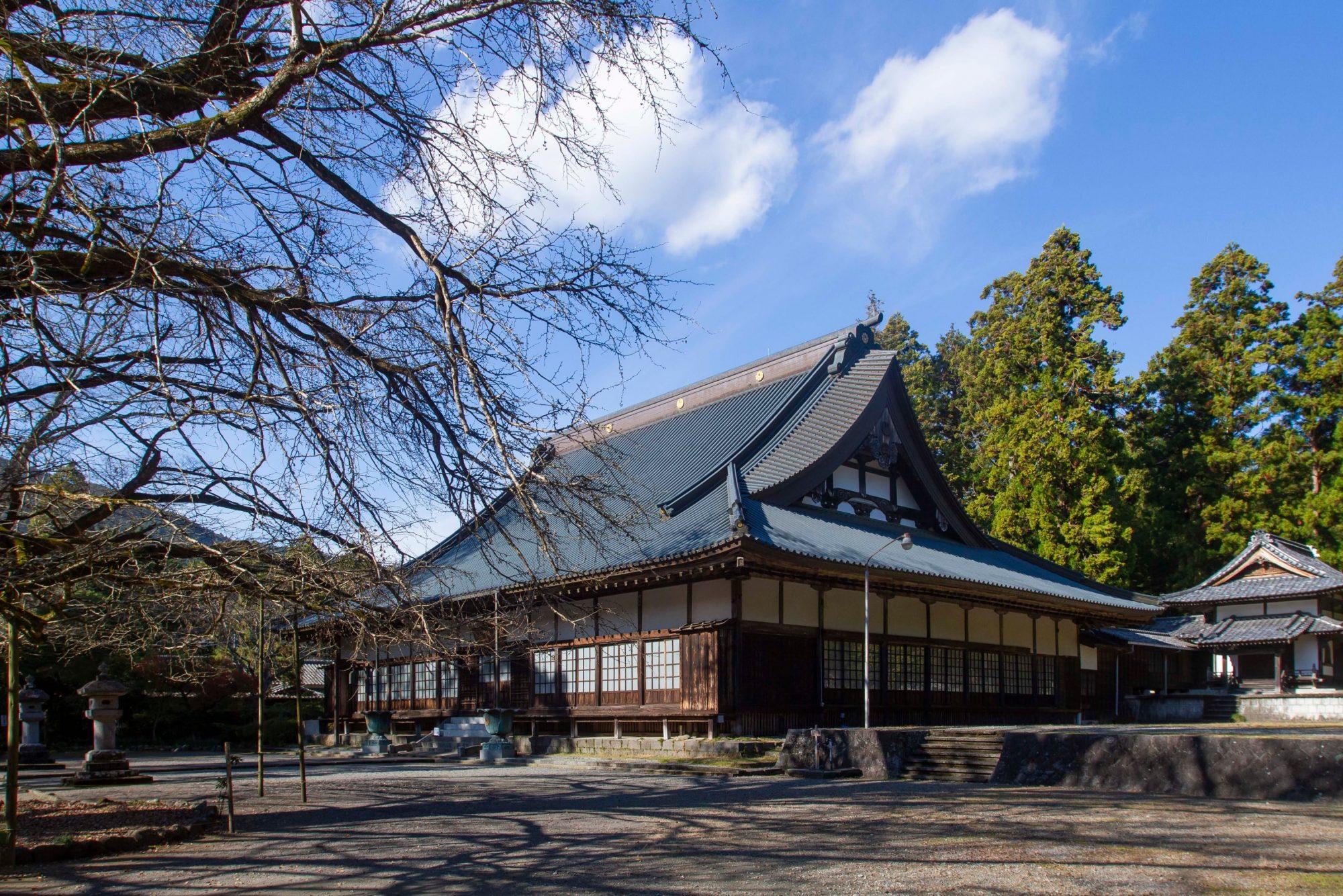 西山本門寺本堂